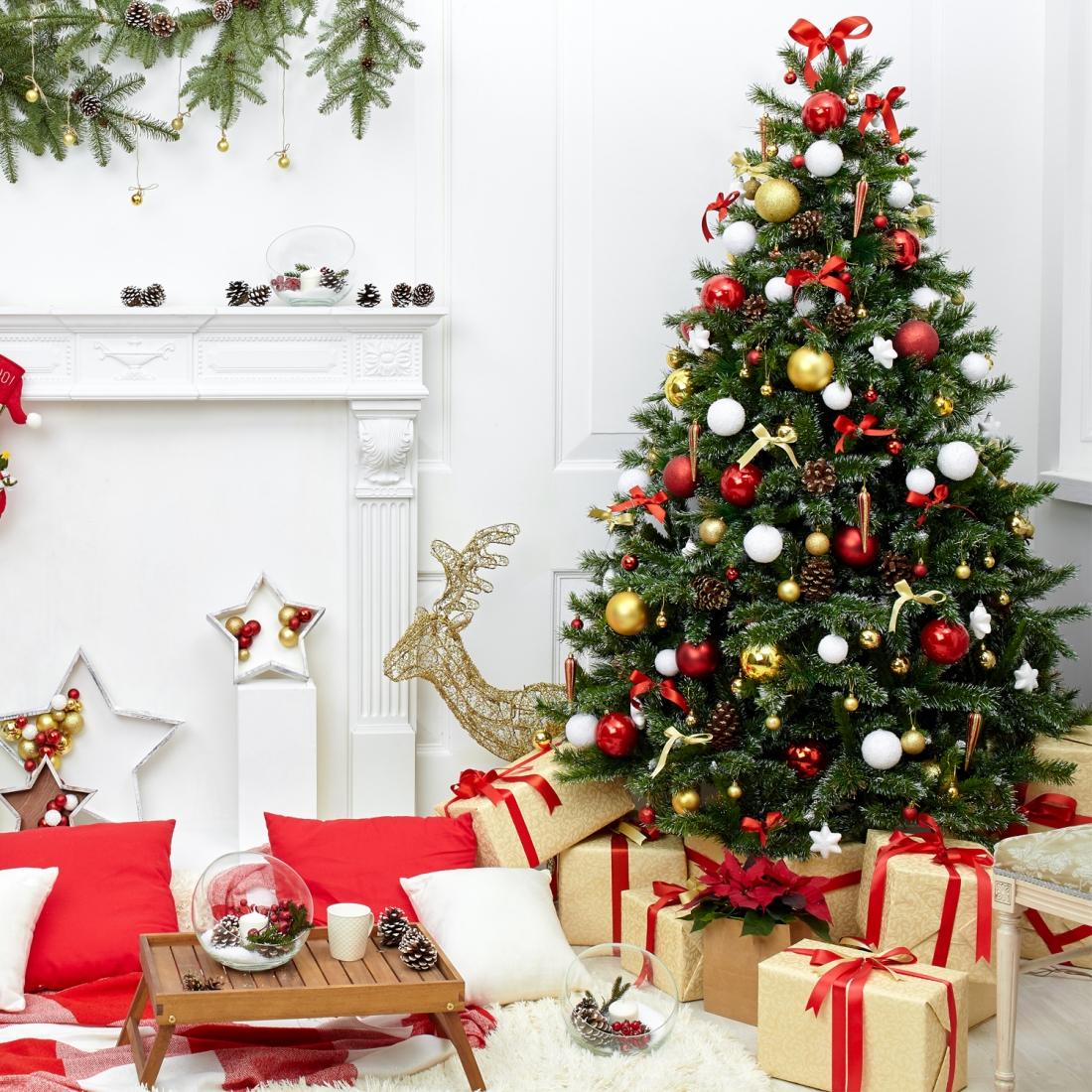 Alberi Di Natale Foto Addobbati.Stili Per Addobbare L Albero Di Natale